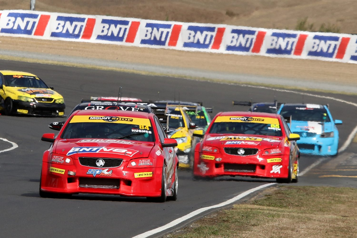 Hughes Takes Opening Win in BNT V8s at Hampton Downs