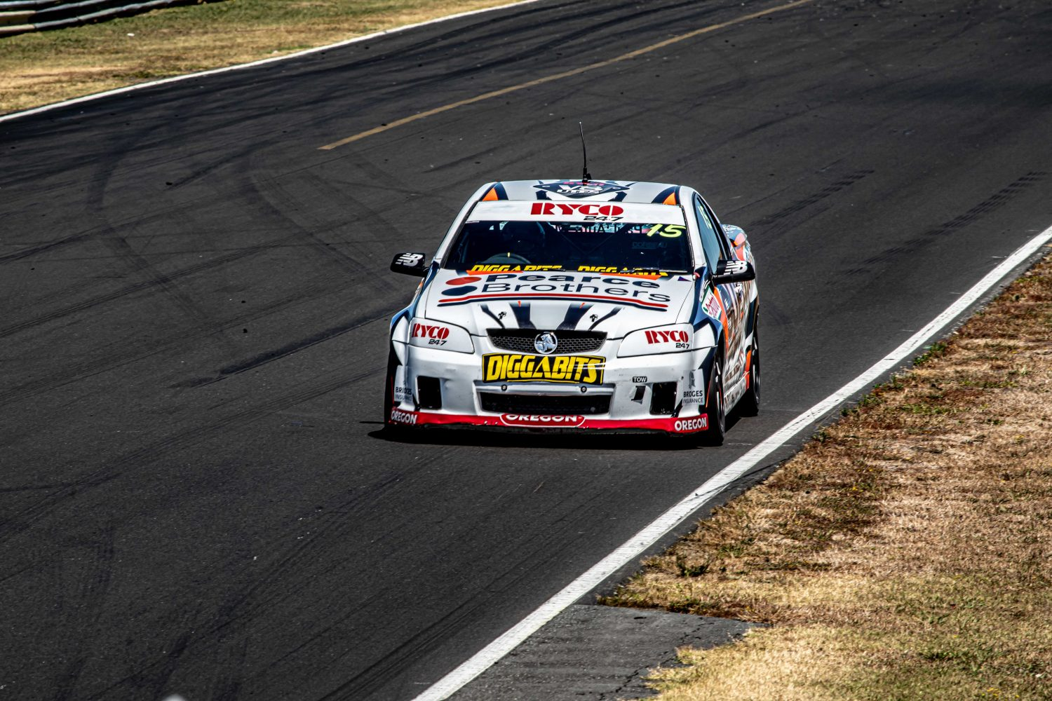 Manuell extends championship lead